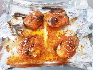 烤鸡腿,取出享用吧。