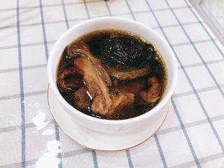 茶树菇水鸭汤,成品图。