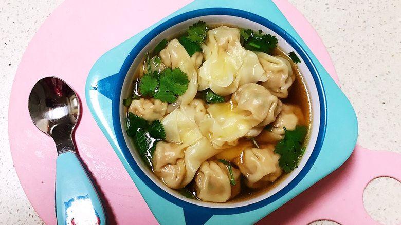 宝宝健康食谱  小金鱼虾仁猪肉抄手