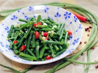 响油豇豆,这道菜非常爽口,非常下饭。
