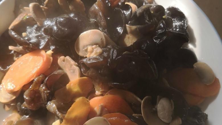 木耳炒口菇