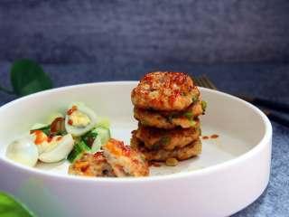 鸡肉玉米饼,搭配米粥、蔬菜更好吃