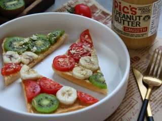#百变水果#  水果花生酱吐司片,还可以对角切成块食用
