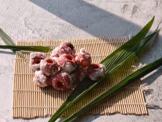 百变水果 冬季小零嘴,消食又开胃——山楂雪球,封君莫羡传柑宠,清爽何如楂与梨。