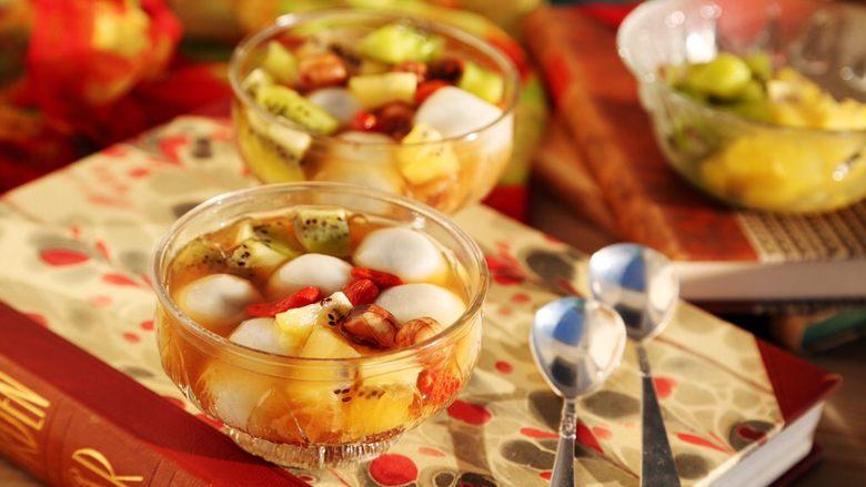 百变水果 汤圆银耳甜汤