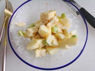百变水果  水果沙拉,拌均匀,