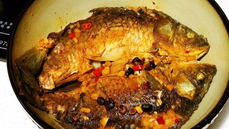 浅湘食光&干烧鲫鱼,3-4分钟后出锅装盘