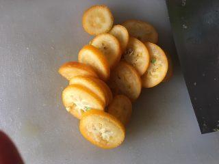 止咳化痰的金桔酱,切片,金桔核不必去掉,切碎的要扔掉,不然影响口感,会有点涩麻