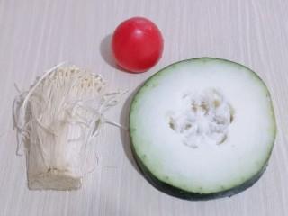 酸甜开胃~番茄金针菇冬瓜汤,准备食材!