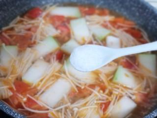 酸甜开胃~番茄金针菇冬瓜汤,按个人口味加入盐,糖,大火6分钟即可!