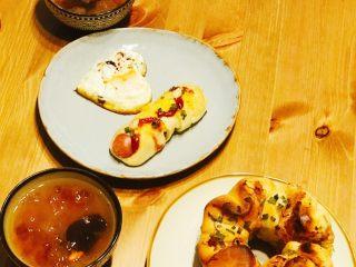 浅湘食光&香肠肉松面包,上桌😋