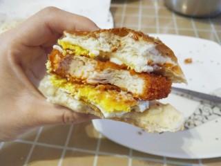 超软汉堡胚,再煎个蛋。简直完美