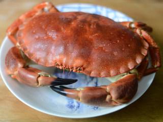 蟹黄炒饭,准备好熟的面包蟹