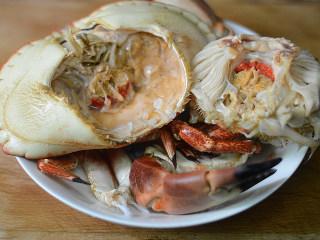 蟹黄炒饭,拆开蟹壳