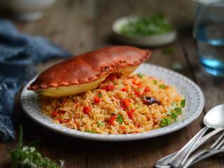 蟹黄炒饭,金灿灿的蟹黄炒饭诱惑到你了吗