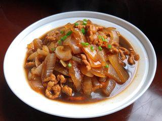 洋葱炒肉丝,超级下饭的洋葱肉丝就做好啦😋