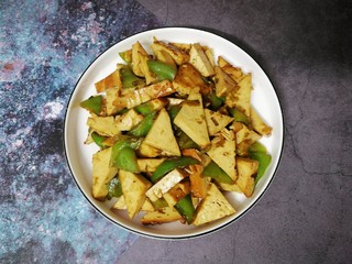 素鸡豆腐炒青椒,成品图。