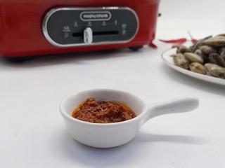 ㊙完爆街边小吃的《辣炒花蛤》,爱吃辣的、所以郫县豆瓣酱肯定少不了。