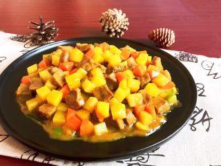 换个姿势吃牛排  咖喱土豆烧牛排,咖喱土豆烧牛排出锅了