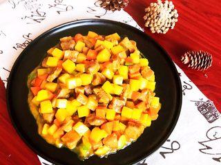 换个姿势吃牛排  咖喱土豆烧牛排,咖喱土豆烧牛排口感独特,鲜香适宜,喝酒下饭都可以~
