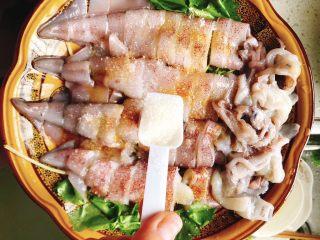 清蒸鱿鱼-下饭菜,加入1勺糖,半勺盐。