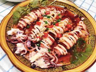 清蒸鱿鱼-下饭菜,近图。