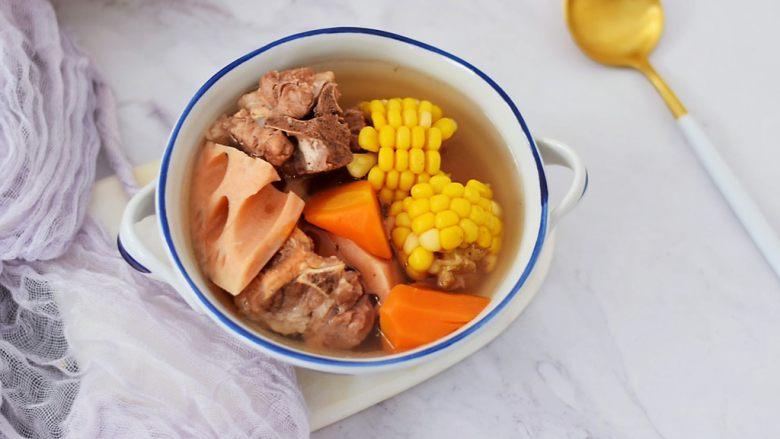 猪骨莲藕玉米胡萝卜汤
