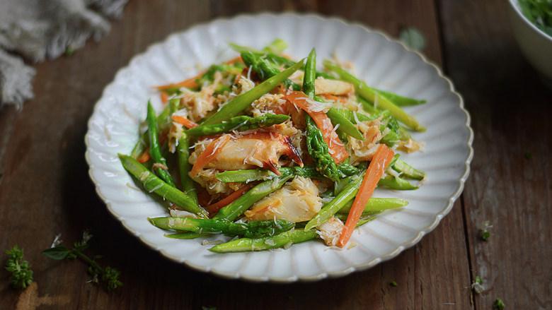 蟹肉炒芦笋