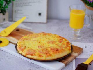 杂蔬火腿肠披萨,成品图