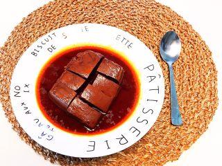 红油猪血豆腐,红油猪血豆腐解毒清肠,营养丰富,口感细腻,香辣适宜~