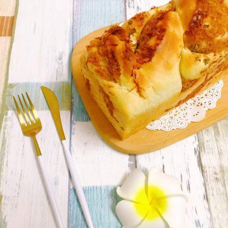 波兰种——香葱肉松手撕面包