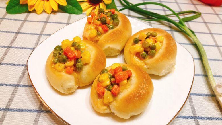 杂蔬沙拉面包
