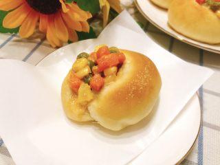 杂蔬沙拉面包,成品图。