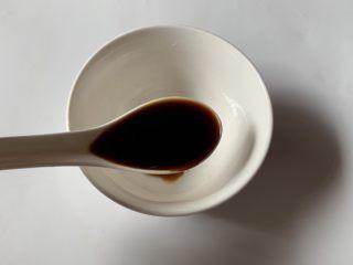 酱汁烧茄子,先调酱汁:生抽2勺