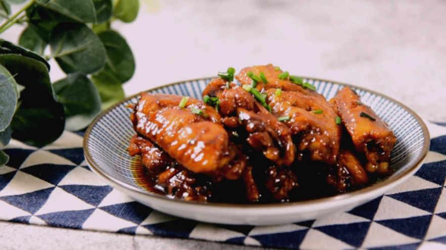 蜜汁鸡翅的家常做法,香嫩口感,抵不住的美味诱惑