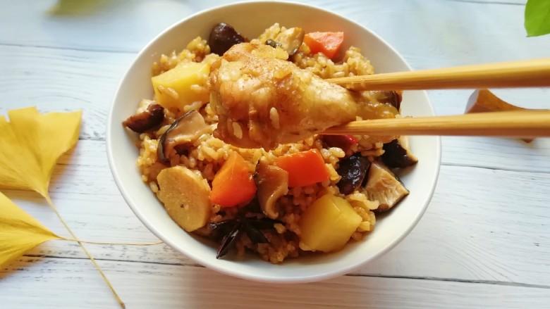 翅根香菇焖饭,准备开吃啦!