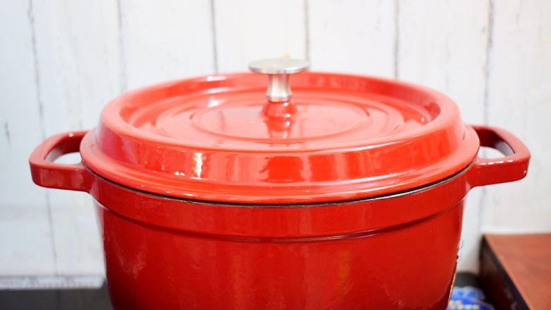 排骨炖土豆,大火烧开转小火炖煮30分钟