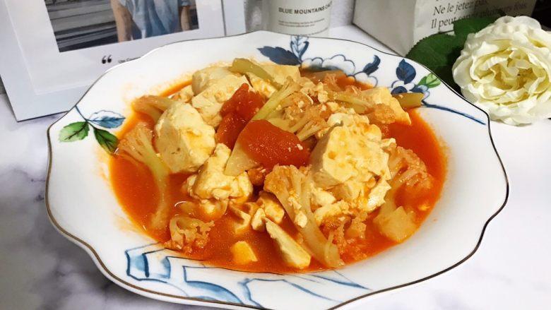 西红柿菜花炖豆腐,成品图