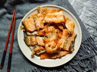 香煎三文鱼骨