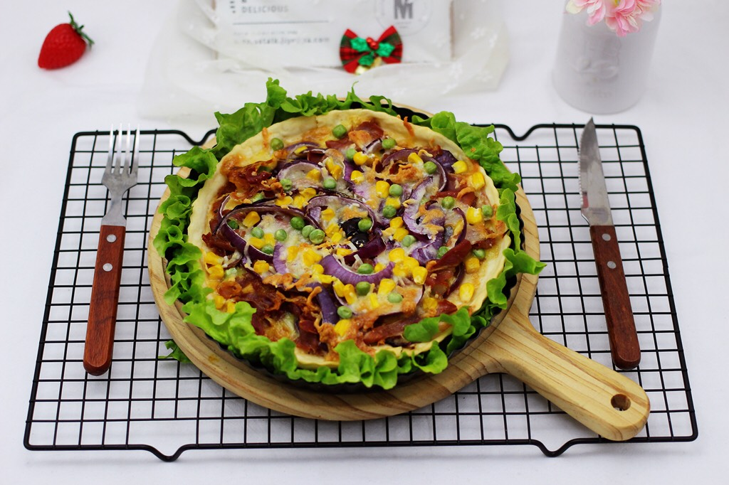 培根青豆披萨,完美的早餐,做下午茶也是棒棒滴。</p> <p>
