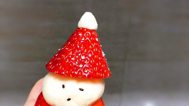 草莓圣诞老人,撒上糖分当雪花