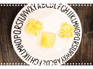 红柚鸡蛋糕,切成小块摆盘!