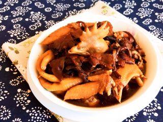 春节餐桌必备  东北特色菜  榛蘑炖小笨鸡