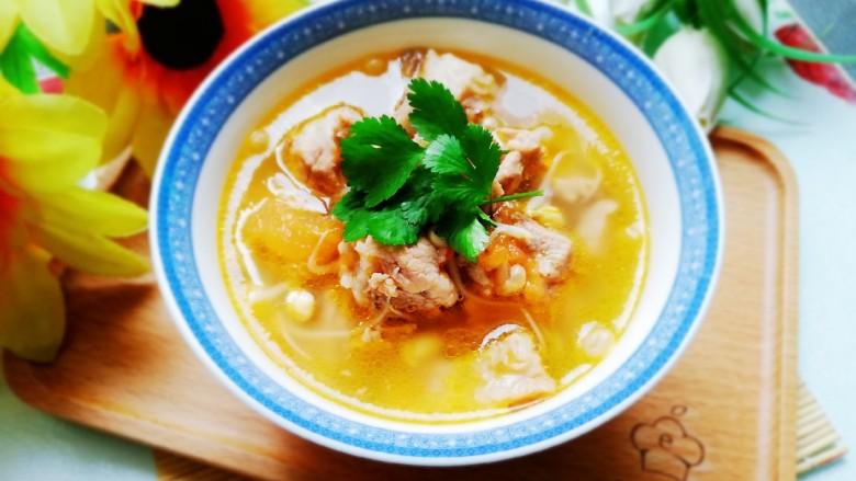 番茄黄豆芽排骨汤,口感清爽非常好喝