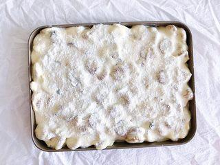 原味雪花酥,表面再撒一层奶粉 然后放置阴凉处自然晾凉成型