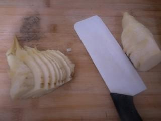 从零开始包馄钝—荠菜冬笋虾皮鲜肉馄钝,聊起。准备切片,切丁。