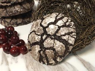 裂纹巧克力软饼干,成品。