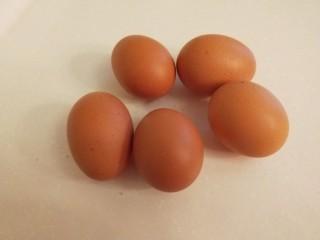 新文美食  水蒸蛋,鸡蛋五个。