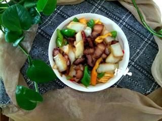 白菜尖椒炒腊肉