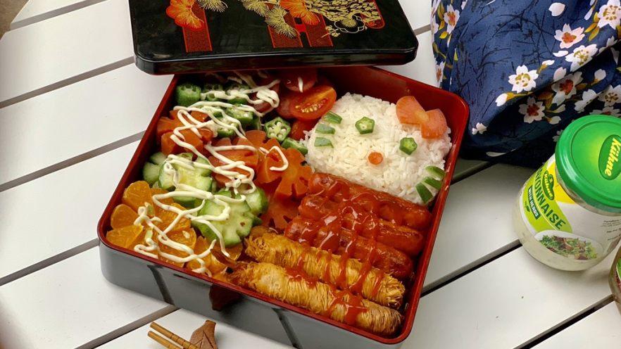 面线虾烤肠彩蔬便当盒